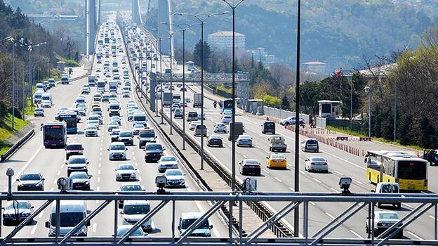 Son dakika... İstanbul'da iftar ve kısıtlama öncesi trafik yoğunluğu böyle görüntülendi