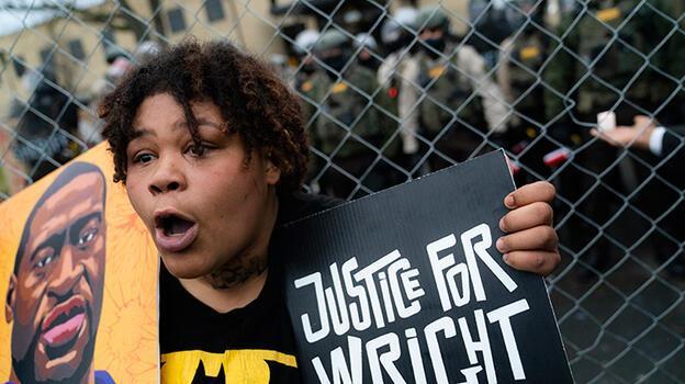 Son dakika... Siyahi Floyd'u öldürmekten yargılanan eski polis ifade vermeyi reddetti!
