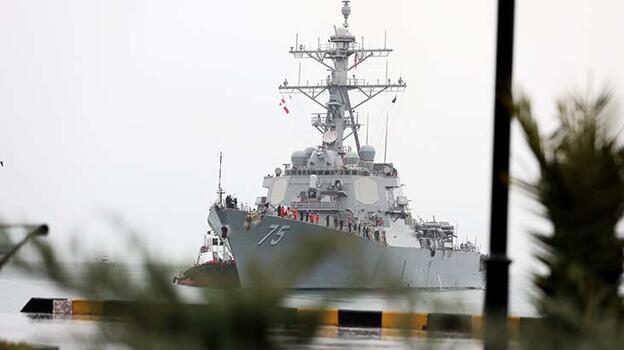 Son dakika... ABD'nin iki muhrip gemisi Suda Deniz Üssü'nden ayrıldı!