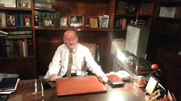 92 yaşındaki emekli doktora akılalmaz tuzak! 'Bavul içinde 10.6 milyon dolar'