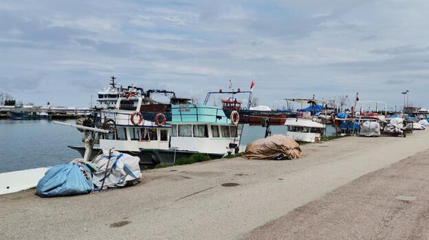 Yasak başladı, Karadeniz'de balıkçılar ağ ve teknelerini bakıma aldı