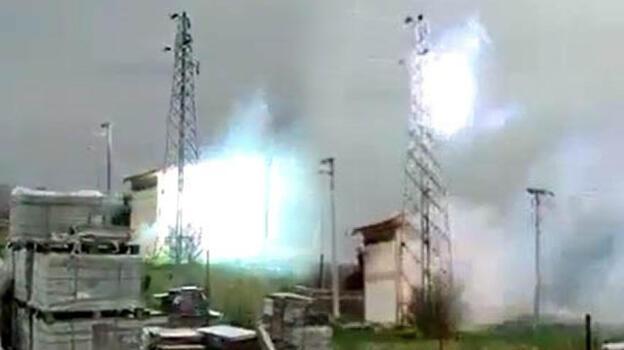 Trafo patladı, 2 ilçe elektriksiz kaldı! Patlama anı kamerada