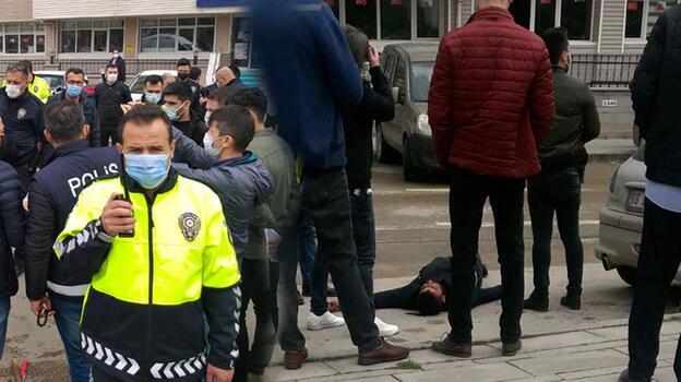 Kırıkkale'de bıçaklı kavga! Polis ve bekçi ile 2 kişi yaralandı