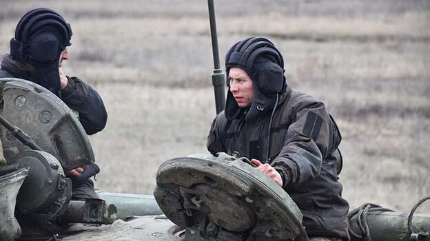 Son dakika... Donbas'ta 1 Ukrayna askeri öldürüldü!