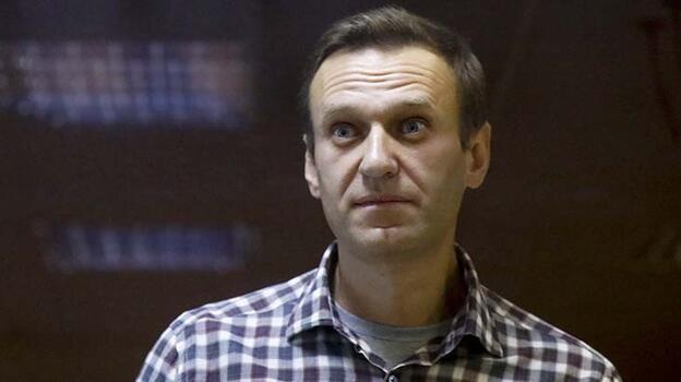 İngiltere, Rus muhalif Navalnıy'ın sağlık durumundan endişe ediyor