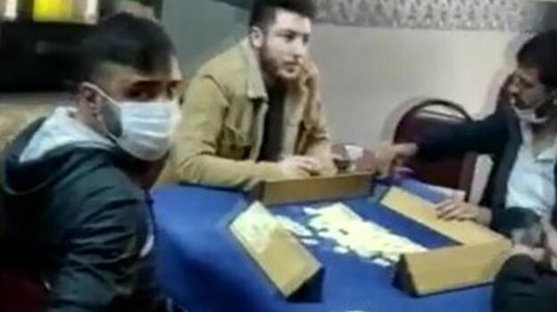 Beyoğlu'nda kıraathaneye koronavirüs baskını!