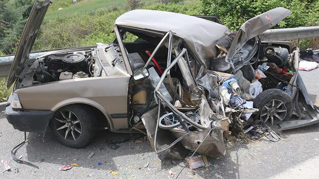 Adana'da TIR ile otomobil çarpıştı: 4 yaralı