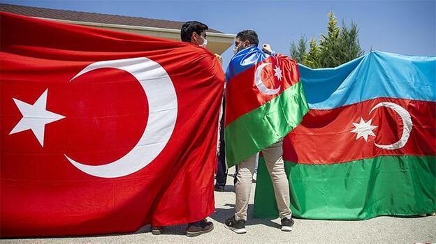 Azerbaycan'dan Türkiye'ye övgü