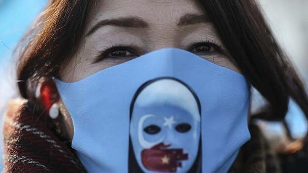 HRW, Çin'in Uygurlara karşı insanlık suçu işlediğini belirtti