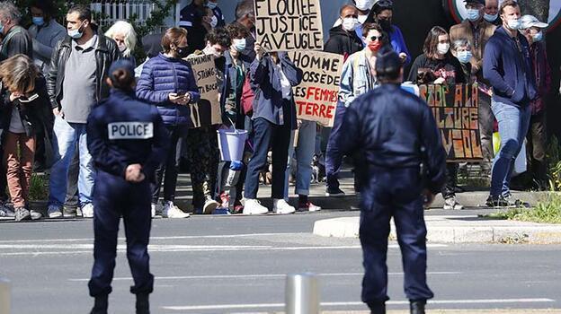 Son dakika... Fransa Cumhurbaşkanı Macron'a protesto!
