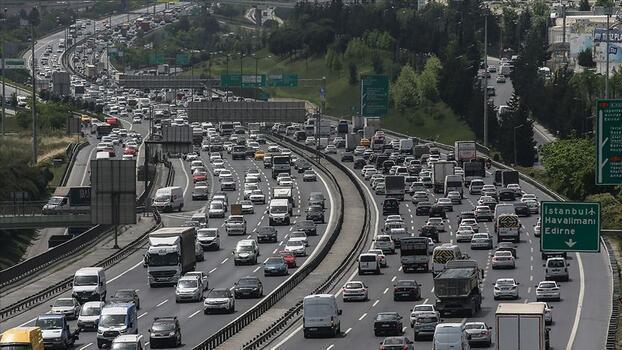 Trafiğe 3 ayda 323 bin 635 aracın kaydı yapıldı