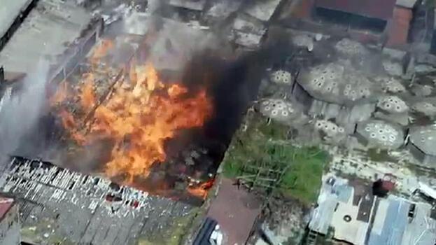 Son dakika: İstanbul'da kimyasal madde dolu depoda yangın