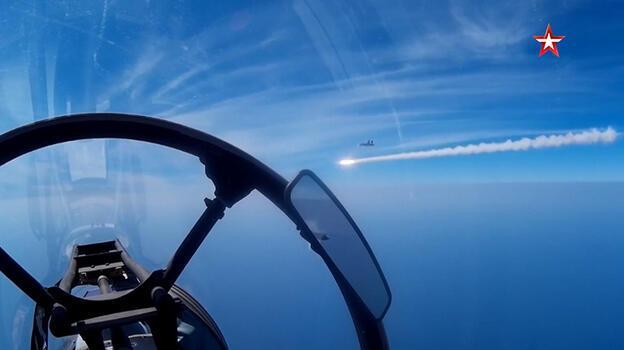 Putin Karadeniz'de gözünü kararttı! 50 savaş uçağı birden...