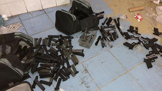Bağcılar'da kaçak silah imalathanesine şok baskın!