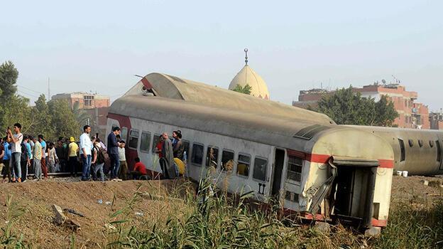 Son dakika... Mısır'daki tren kazasında ölü sayısı 23'e yükseldi!