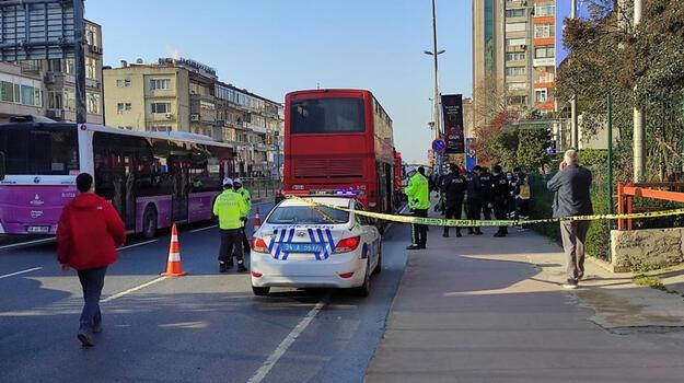 Beşiktaş'ta çift katlı iett otobüsü kaza yaptı