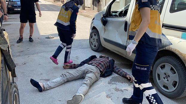 Bursa'da araç ile motosiklet çarpıştı! 2 kişi ağır yaralandı