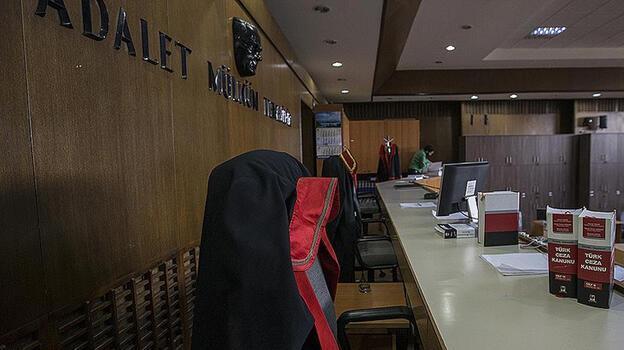 Adana'daki FETÖ davasında yargılanan 5 eski polise hapis!