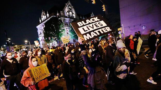 George Floyd kararının açıklandığı gün polis bir siyahı daha öldürdü