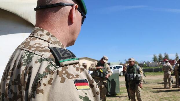 Almanya askerlerini 4 Temmuz'da Afganistan'dan çekmeyi öngörüyor