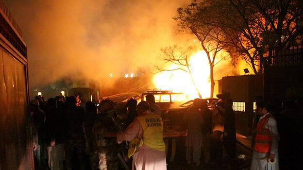 Pakistan'da korkunç patlama! Çok sayıda ölü ve yaralı var