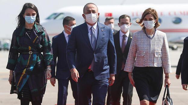 Çavuşoğlu, Dışişleri Bakanları Üçlü Toplantısı için Bükreş'te