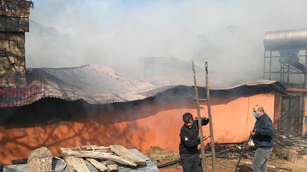 Kahramanmaraş'ta ev yangını! 25 bin TL kül oldu
