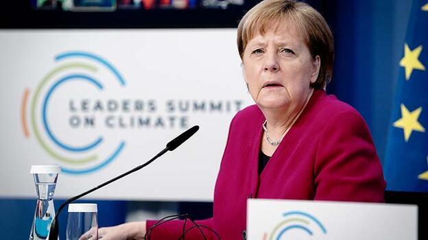 Son dakika... Merkel, ABD'nin İklim Zirvesi'ne dönmesinden memnun