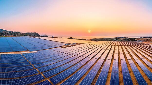 Solar enerjide yatırıma devam