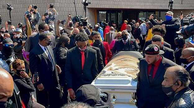 Son dakika... ABD'de polisin öldürdüğü siyahi Wright için cenaze töreni düzenlendi