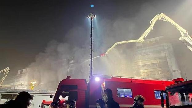 Çin'de fabrika yangını: İşçiler ve itfaiyeciler öldü