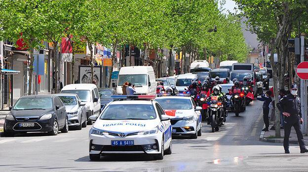Manisa'da '23 Nisan' konvoyu