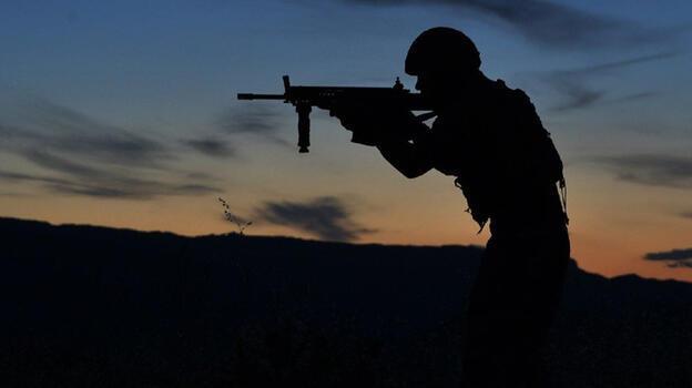 Son dakika... Taciz atışı yapan 4 PKK'lı terörist etkisiz hale getirildi
