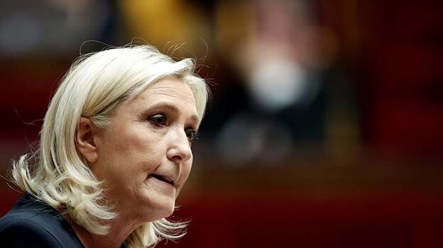 Son dakika... Fransa'da aşırı sağcı Le Pen, beraat etti!