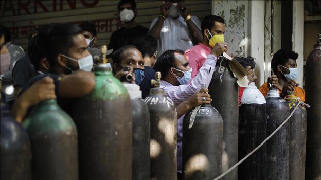 Hindistan'da yüksek mahkeme koronavirüs ölümlerini 'soykırım'a benzetti