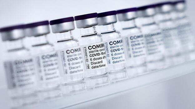Son dakika: Bir ilk... 12-15 yaş arası çocuklar da Pfizer-BioNTech aşısını olacak!