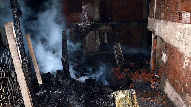 Kastamonu'da gece yarısı felaket! 6 ev küle döndü