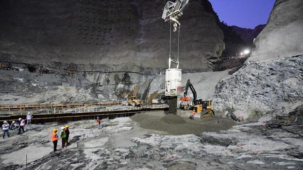 Yusufeli Barajı'nda son metreküp beton döküldü