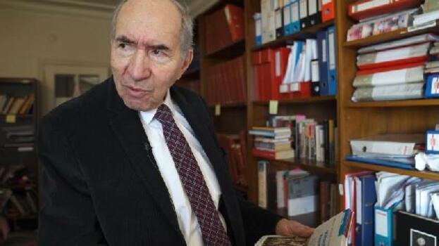 Gazeteci - yazar Öymen, kütüphanesini ve arşivini bağışladı