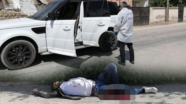 Sokak ortasında kanlı hesaplaşma! Husumetlisini bacağından vurdu