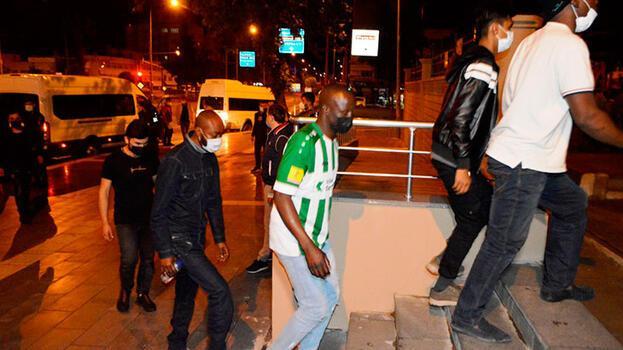İstanbul'da yakalanan 60 kaçak göçmen sınır dışı edilecek