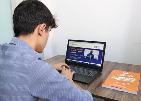 Toroslar Belediyesi'nden, öğrencilere online sınav desteği
