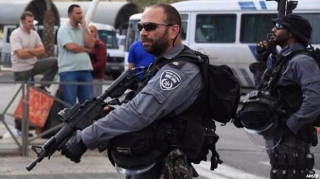 Son dakika... İsrail polisi Mescid-i Aksa'da ses bombalarıyla cemaate saldırdı!