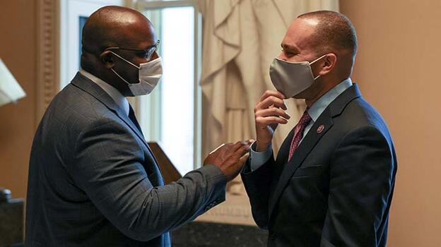New York Milletvekili Bowman, Türk-Amerikan toplumunun yardım faaliyetine katıldı