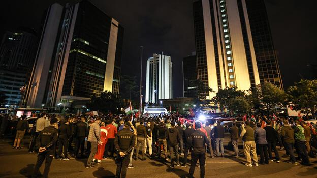 İsrail'in İstanbul Başkonsolosluğu önünde Mescid-i Aksa saldırısı protesto edildi