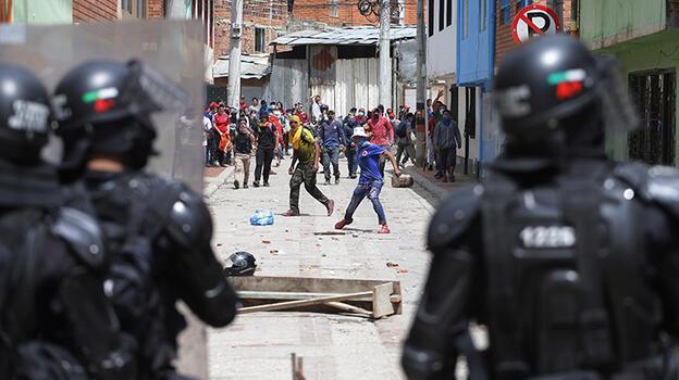 Kolombiya Devlet Başkanı muhalefet liderleriyle bir araya geldi