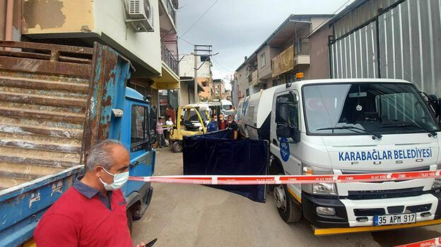Çöp kamyonunun altında kalan yaşlı adam öldü