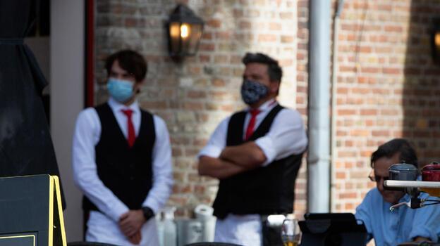 Belçika'da restoran, kafe ve barlar yedi ay sonra açıldı