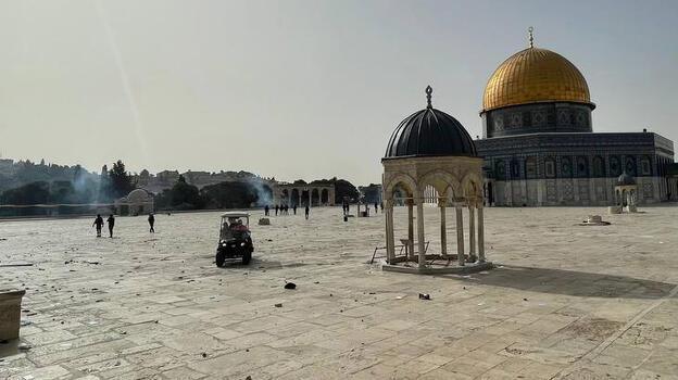 Son dakika! İsrail'den Mescid-i Aksa'da nöbet tutanlara saldırı