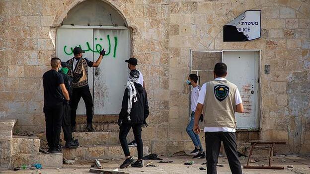 Son dakika... İsrail polisi yine saldırdı!